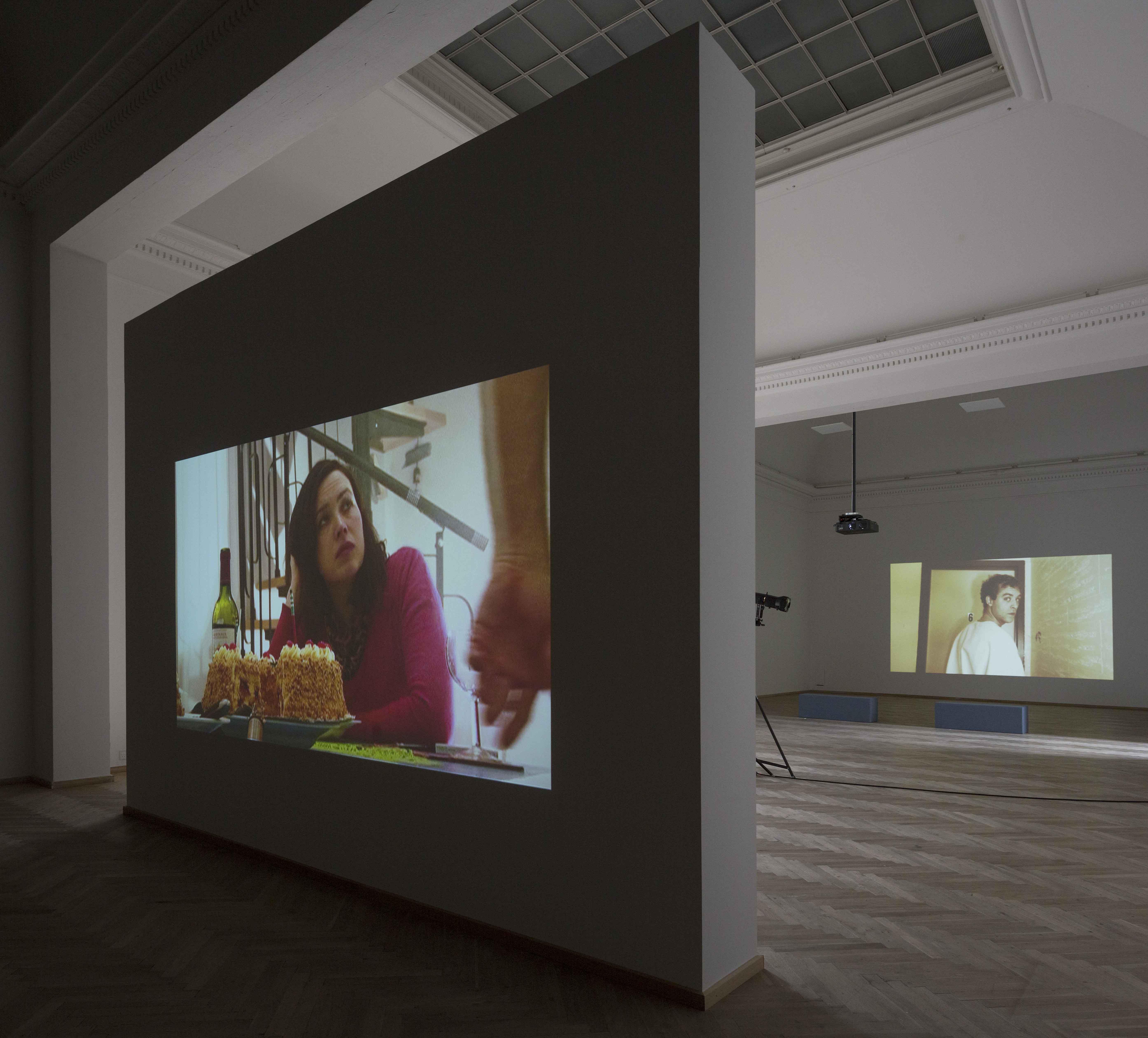 installationsfoto fra Keren Cytter udstilling. fotograf: Anders Sune Berg