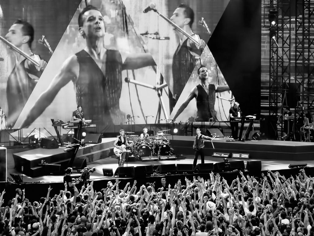 Depeche Mode 90'er rave-banko for Sort/Hvids nye teater